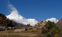 manaslu as seen on the way