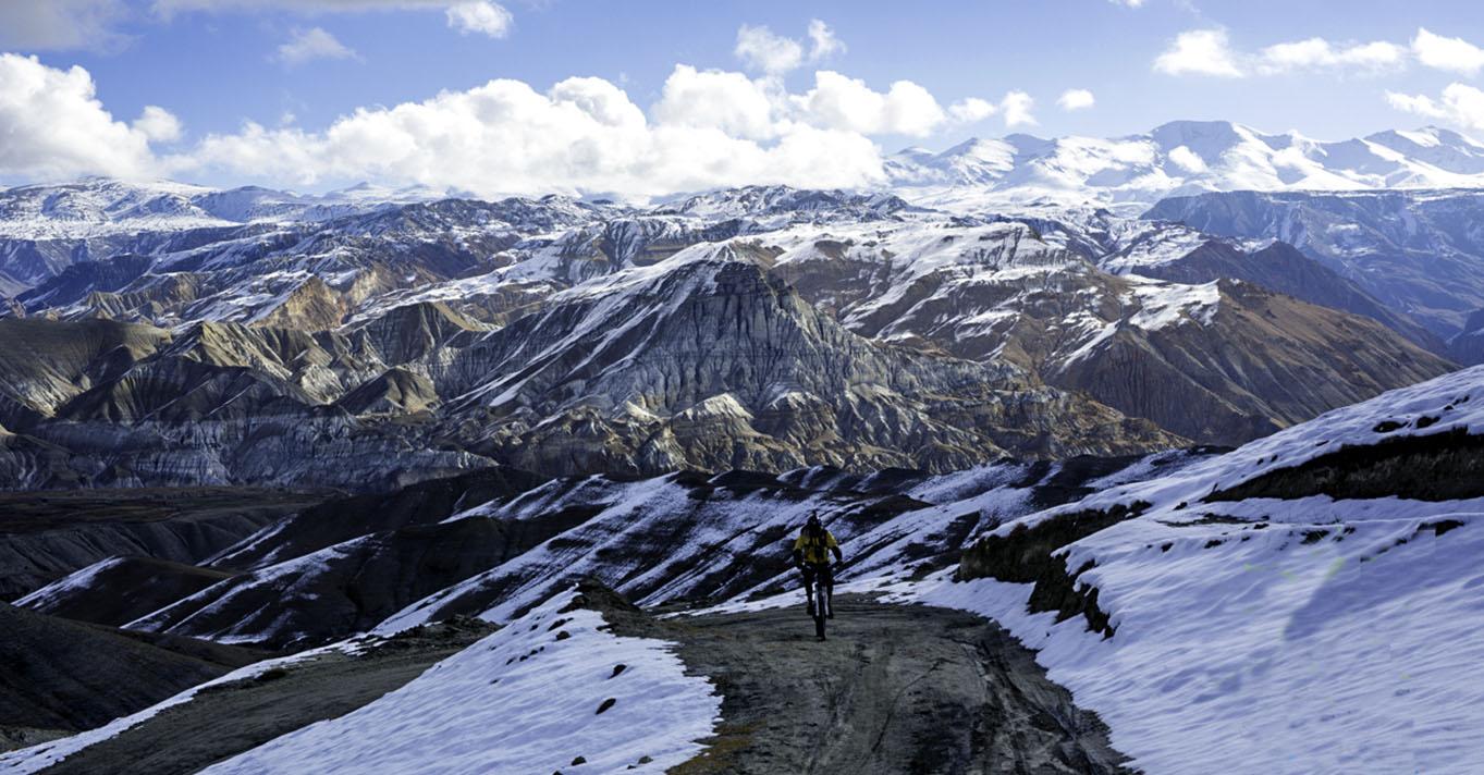 Annapurna-circuit-Biking